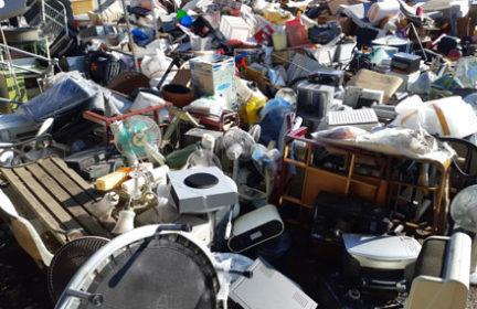 遺品整理、不用品回収にまつわる社会問題